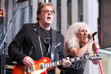 JAY JAY FRENCH ON TWISTED SISTER REUNION: 'I'M NOT GONNA SAY IT'S NEVER GONNA HAPPEN AGAIN'