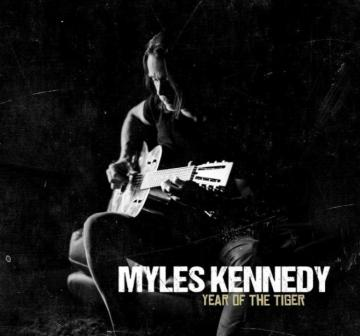 MYLES KENNEDY: LYRIC VIDEO ΜΕΣΑ ΑΠΟ ΤΟΝ ΝΕΟ SOLO ΔΙΣΚΟ ΤΟΥ