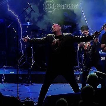 "CLAIRVOYANT: KAINOYΡΓΙΟ LIVE VIDEO ΓΙΑ ΤΟ ""STAND AND RESIST"""