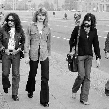 URIAH HEEP OFFER LOOK INSIDE UPCOMING EVERY DAY ROCKS BOX SET