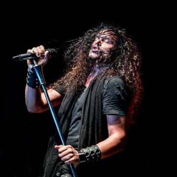 """JEFF SCOTT SOTO DEBUTS MUSIC VIDEO FOR COVER OF TALISMAN'S """"I'LL BE WAITING"""" FEAT. ALIRIO NETTO"""